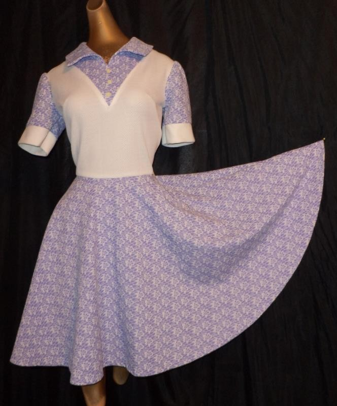 Vintage SASSY LILAC & IVORY FLORAL 70s TWIRLY FULL CIRCLE SKIRT SKATER DRESS