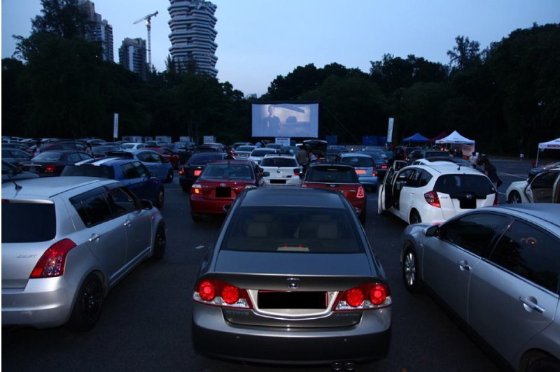 Movie Mob drive in