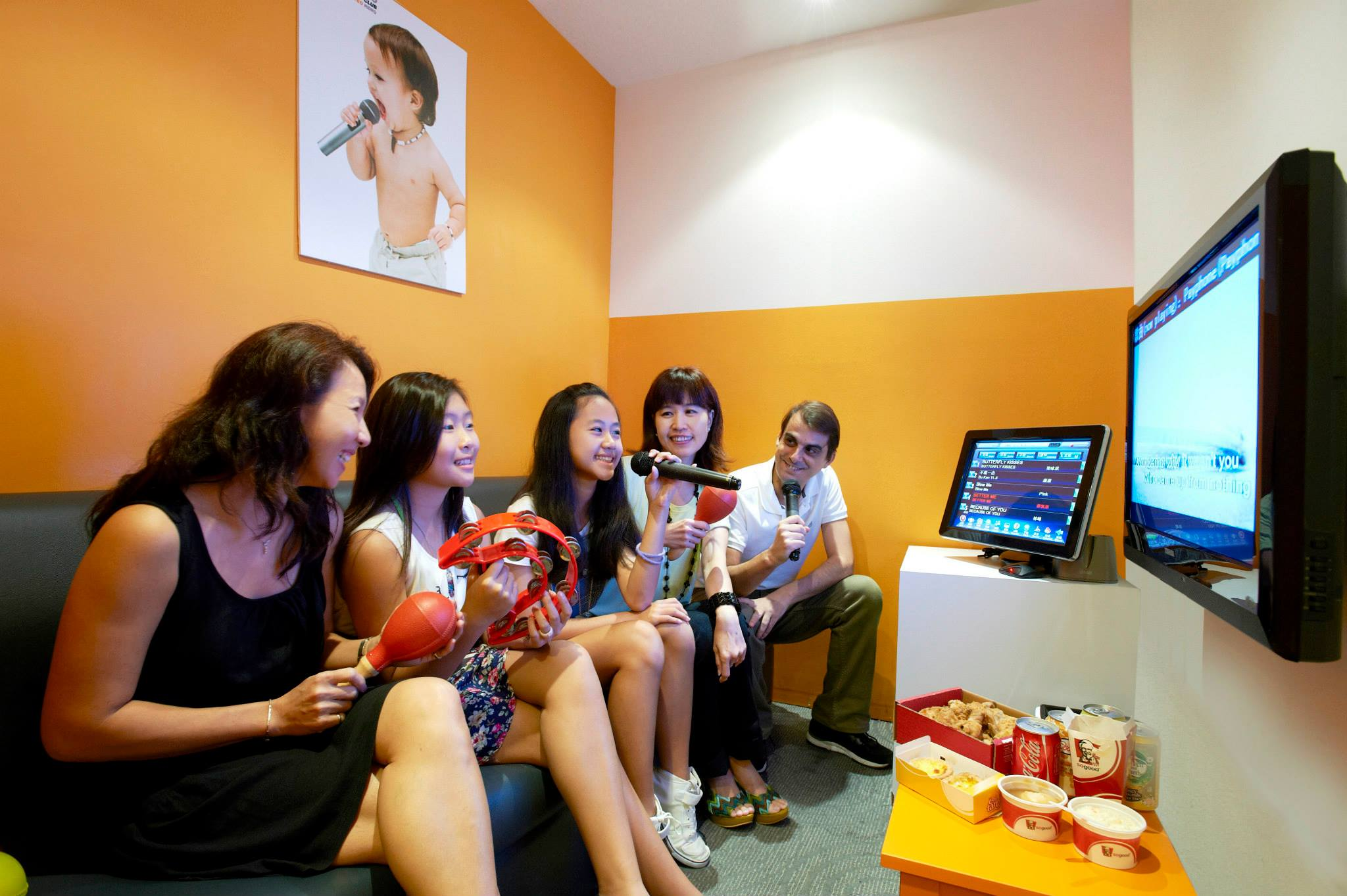 7 Best Karaoke Places In Singapore That'll Make You Want To