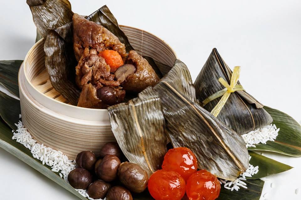 bak chang glutinous rice dumplings brown salted egg chestnut meat