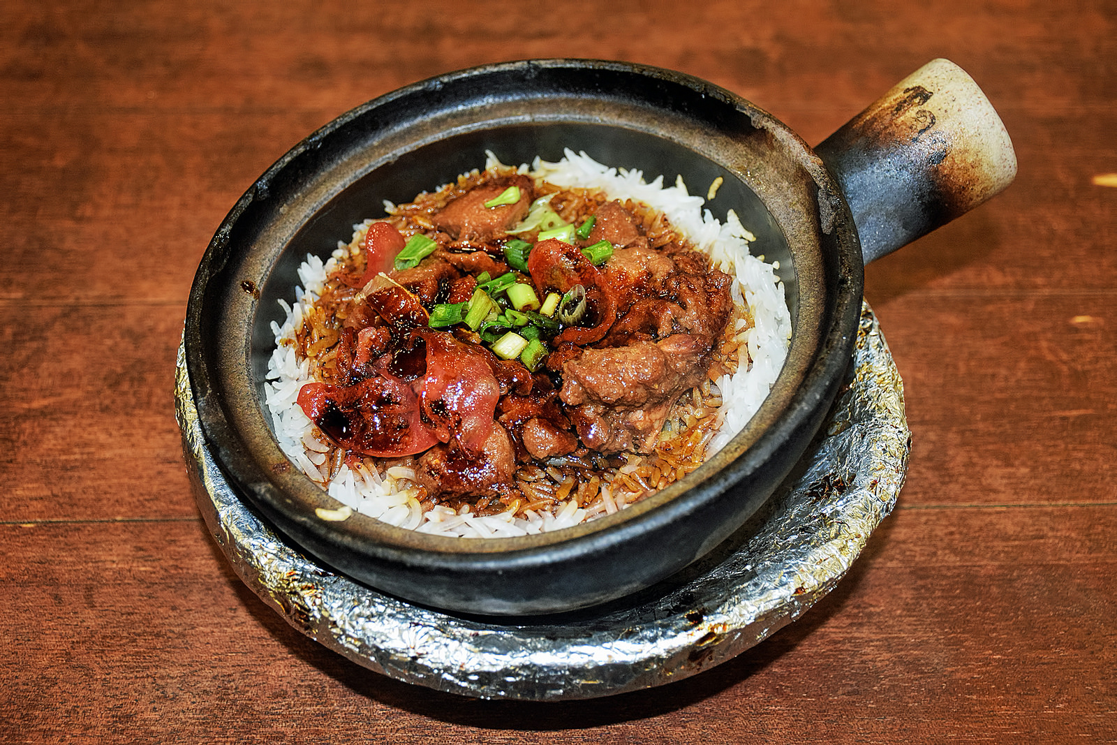 claypot rice chinese food one pot dish singapore meat burnt bottom