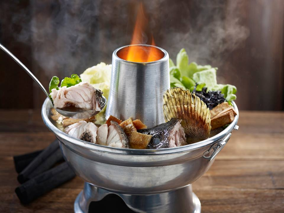 fishhead steamboat fire pot fish pieces steaming singapore