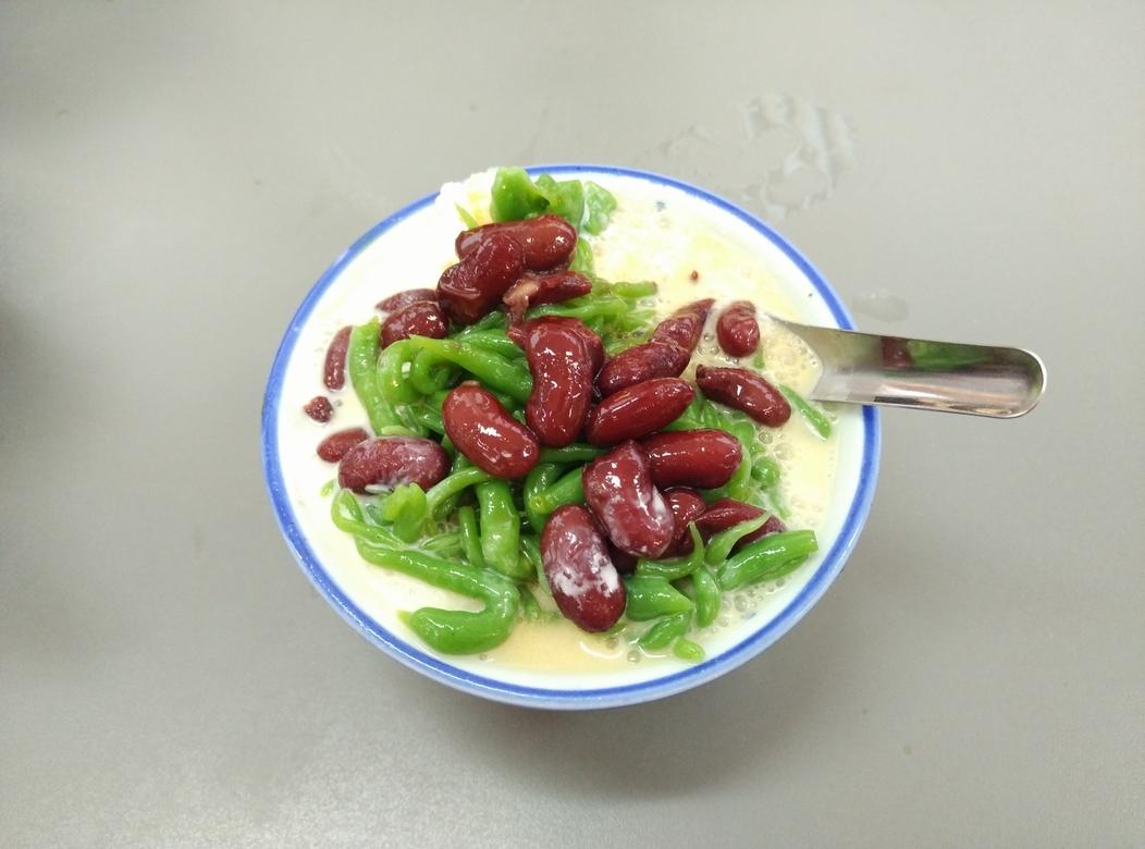 cendol gula melaka natural coconut milk dessert bowl singapore