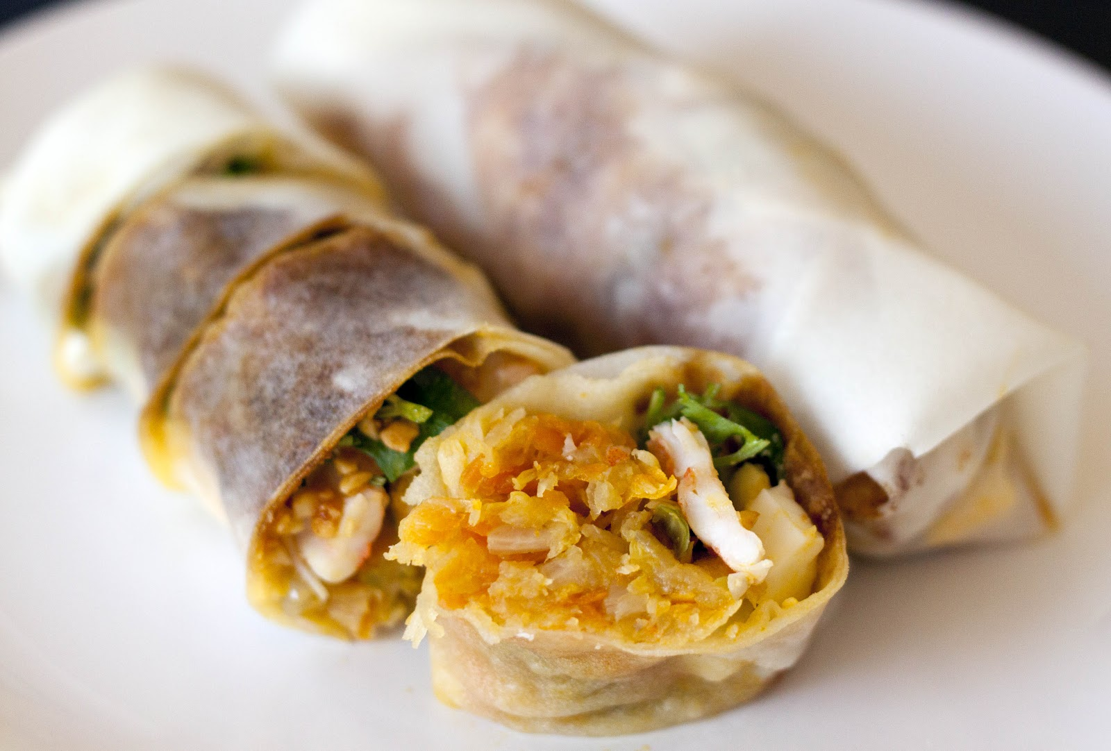 popiah roll skin wrapper snack singapore malaysia traditional hawker street food filing meat vegetables minced pork