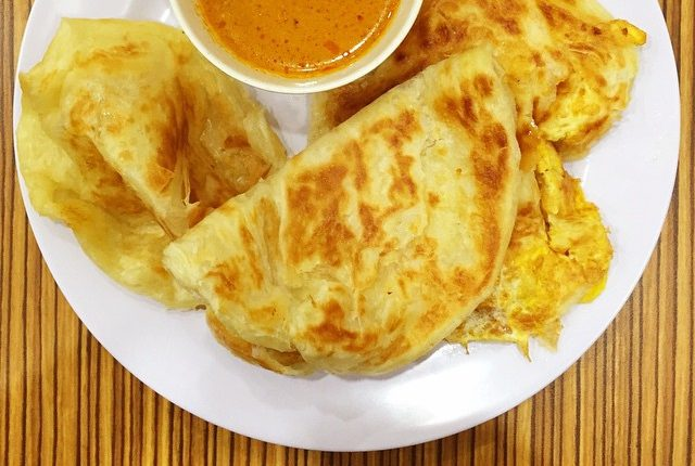 Sample wholemeal pratas from the Curry Cafe!