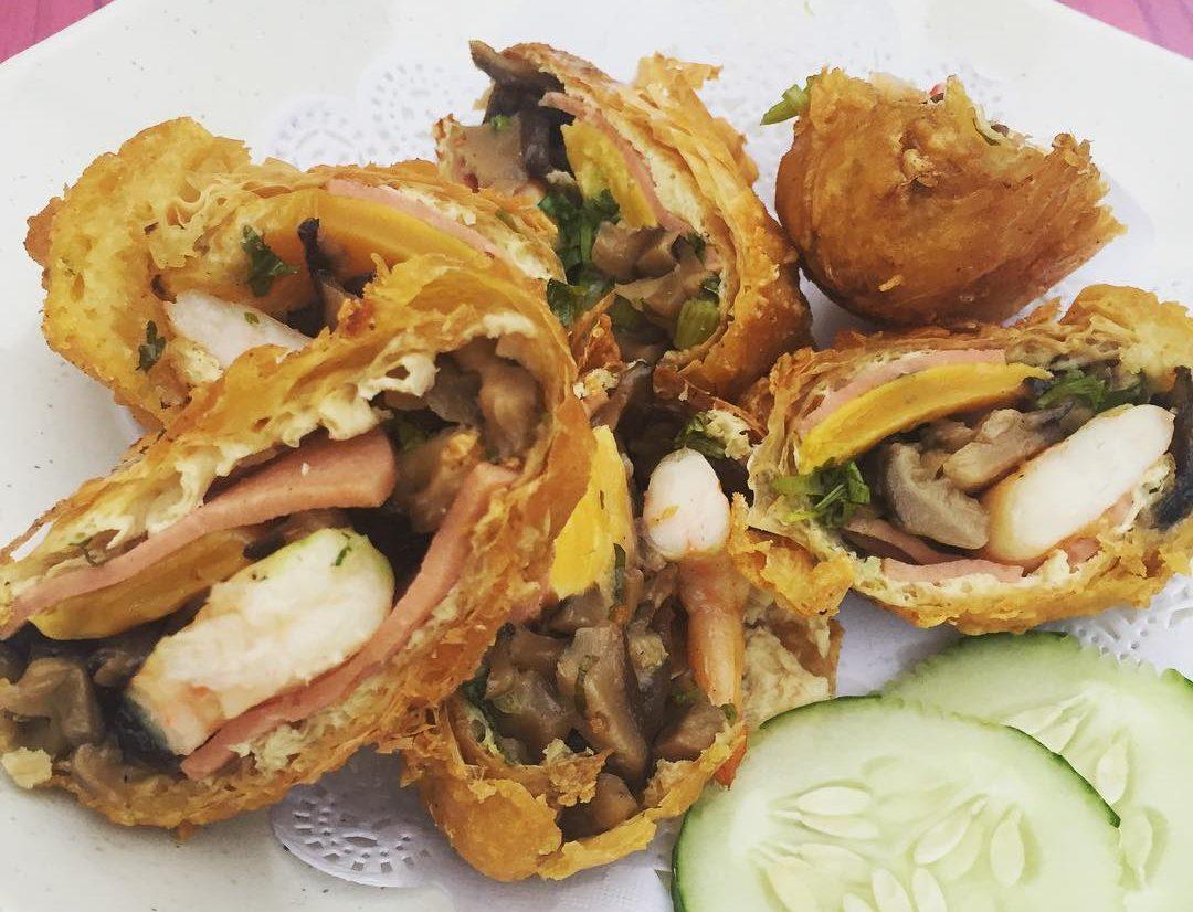 mingzhu roll stuffed with prawn crispy beancurd skin