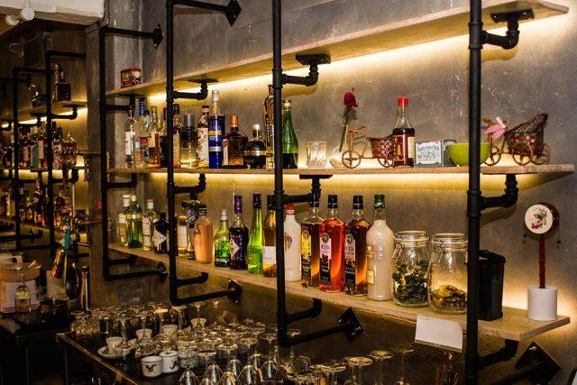 happy hour deals hopscotch bar