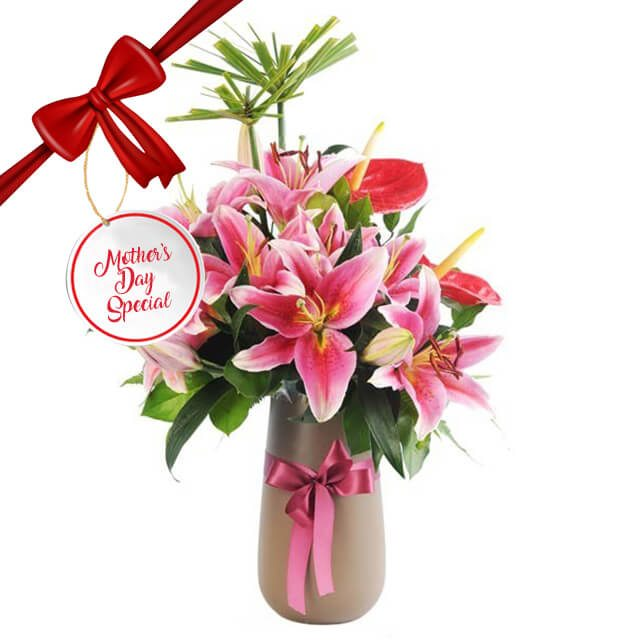Flower Advisor Mothers Day Lilies Bouquet of Flowers