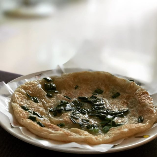 Fried Scallion Pancake (葱油饼)