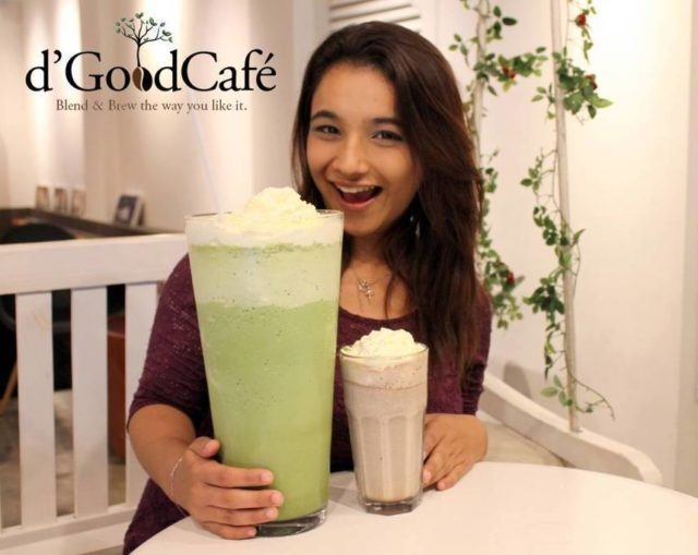 Jumbo frappe at d'GoodCafe compared to regular large frappe
