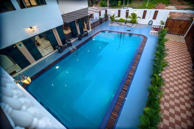 居銮泳池别墅渡假屋 kluang swimming pool homestay