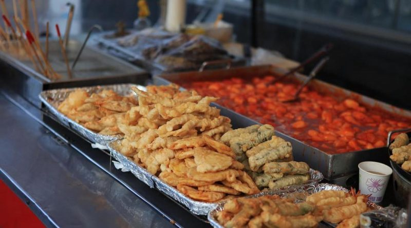 Tteokbokki and Twigim street snacks cart