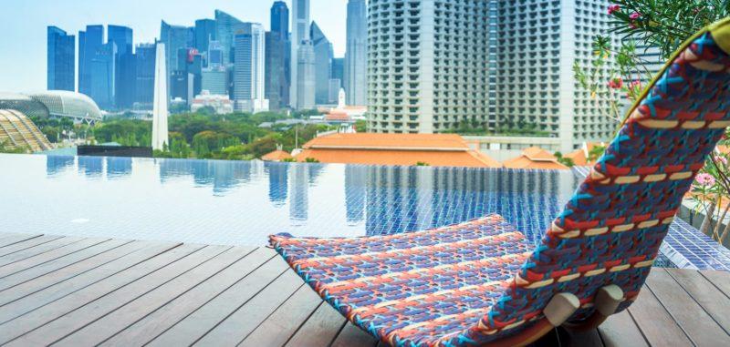 Naumi hotel Infinity pool