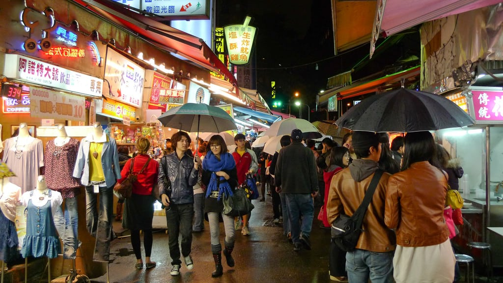 What to Buy In Taiwan? 15 Best Places to Shop For Souvenirs, Fashion and Snacks