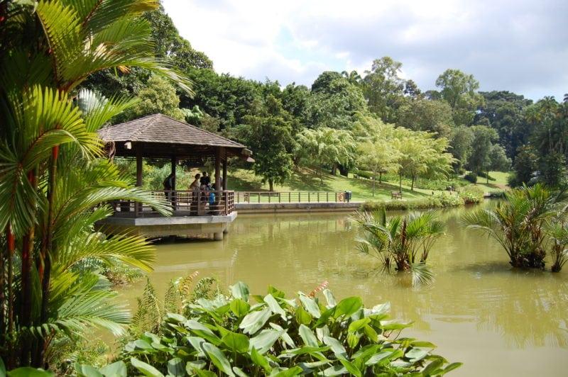 Singapore Botanic Garden pavilion over lake