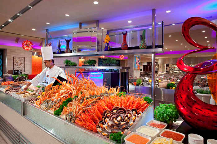 Carousel - impressive halal buffet in Singapore with seafood