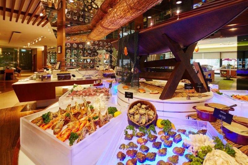AquaMarine -hefty halal buffet spreadin the hotel