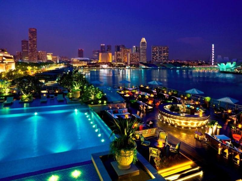 Lantern rooftop bar view in singapore