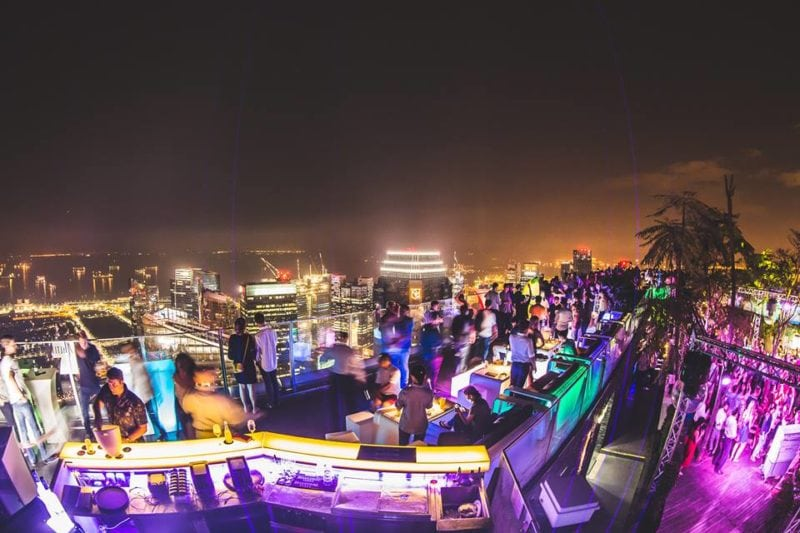 1Altitude rooftop bar view in singapore
