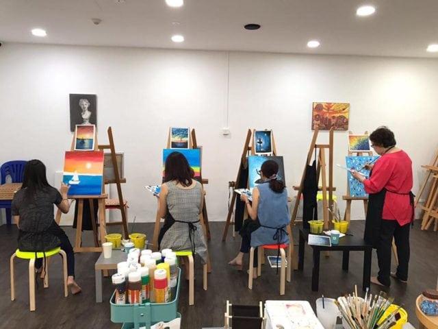 Art jamming session at muzart
