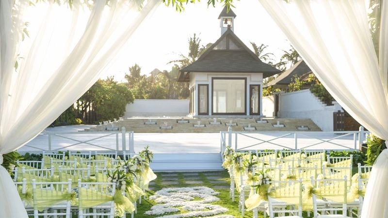 wedding venue in bali lawn luxurious