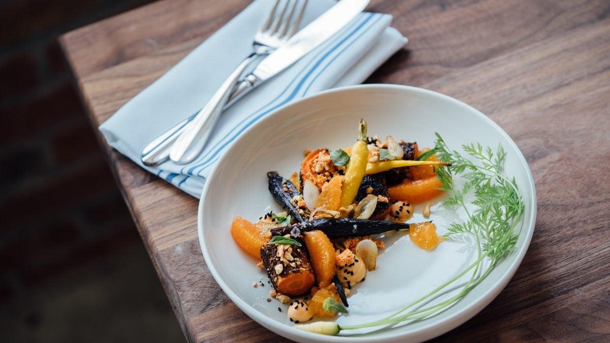 15 Best Vegan & Vegetarian Restaurants in Singapore For Healthy Tasty Food