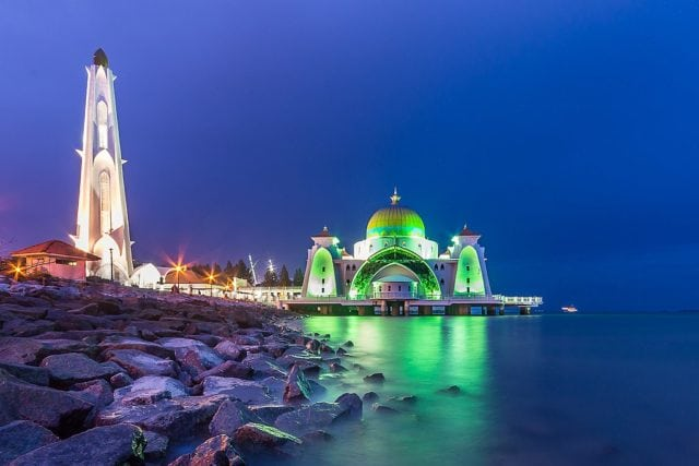 Malacca, new things to do, travel guide, floating mosque, Masjid Selat Melaka