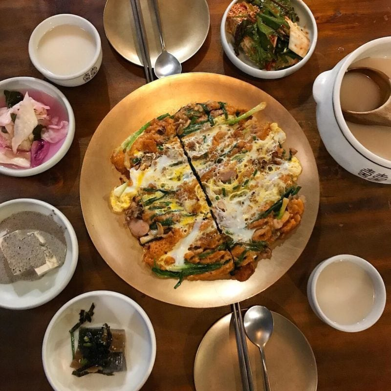 Dongnae Haemul Pajeon style pancakes in Busan