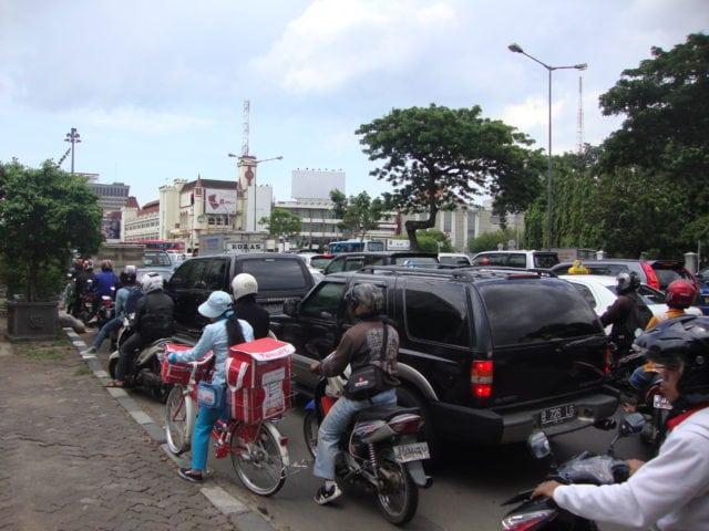 jakarta traffic indonesia go-jek