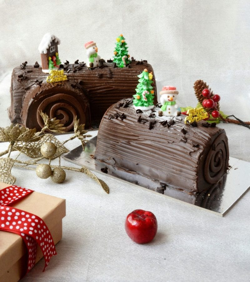 Chocolate log cake with deco