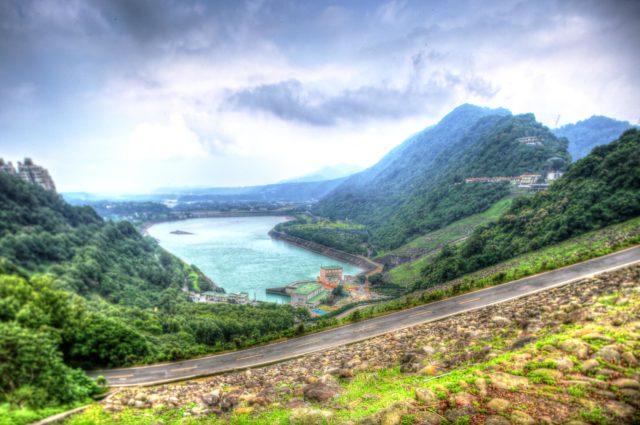 lake between mountains landscape