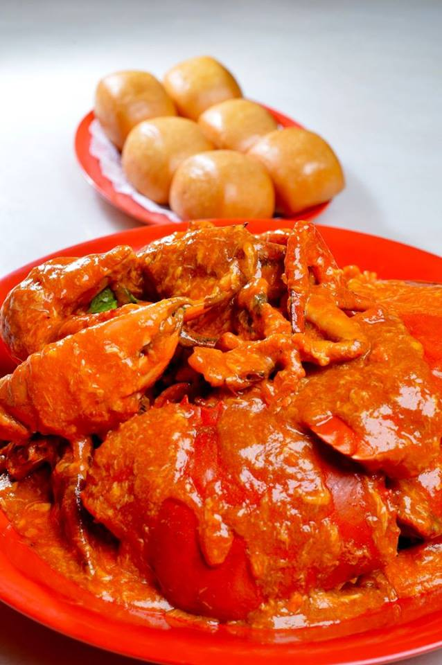 chilli crab with fried buns