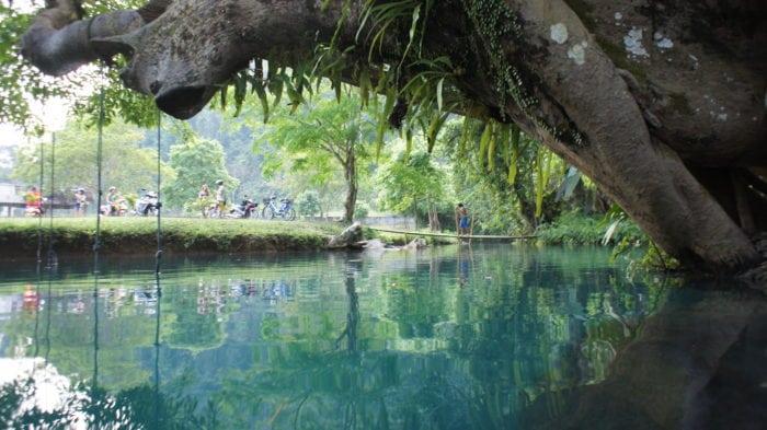 เที่ยววังเวียง แม่น้ำซอง
