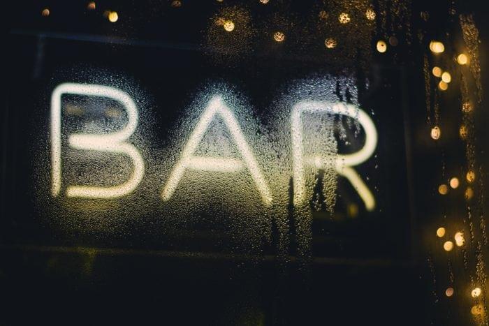 เที่ยววังเวียง เที่ยวบาร์