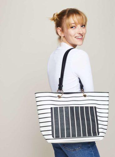 เทรนด์กระเป๋า 2018 Stripe Tote Bag