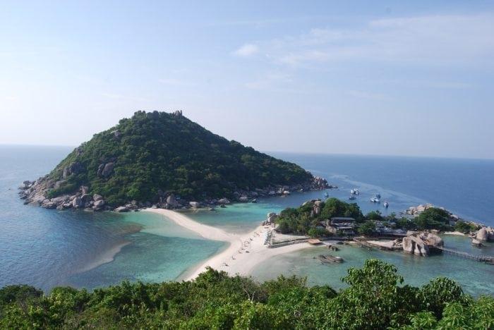 ทะเลที่สวยที่สุดในประเทศไทย เกาะนางยวน