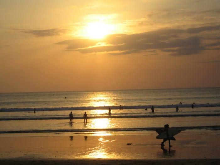 ทะเลบาหลี Kuta Beach เที่ยวบาหลี เที่ยวบาหลีด้วยตัวเอง ทะเลบาหลี เที่ยวบาหลีเดือนไหนดี