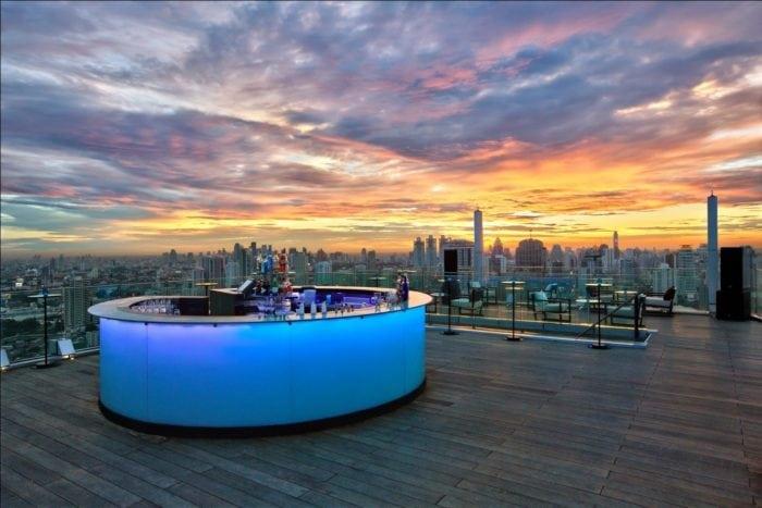 ร้านอาหารบนดาดฟ้า Octave Rooftop Lounge & Bar