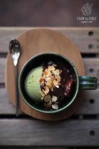 ร้านชาเขียว Farm To Table Organic Cafe ไอศกรีมมัทฉะ