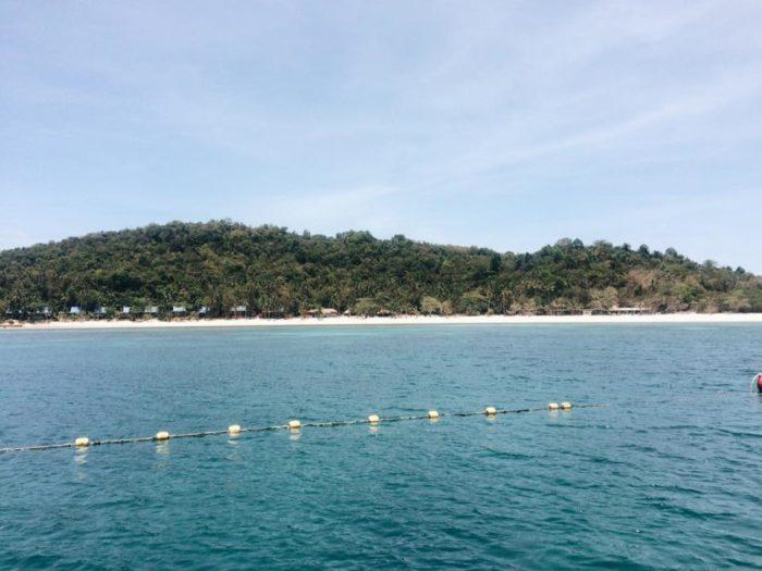 เกาะทะลุ ประจวบ กินข้าวกลางทะเล
