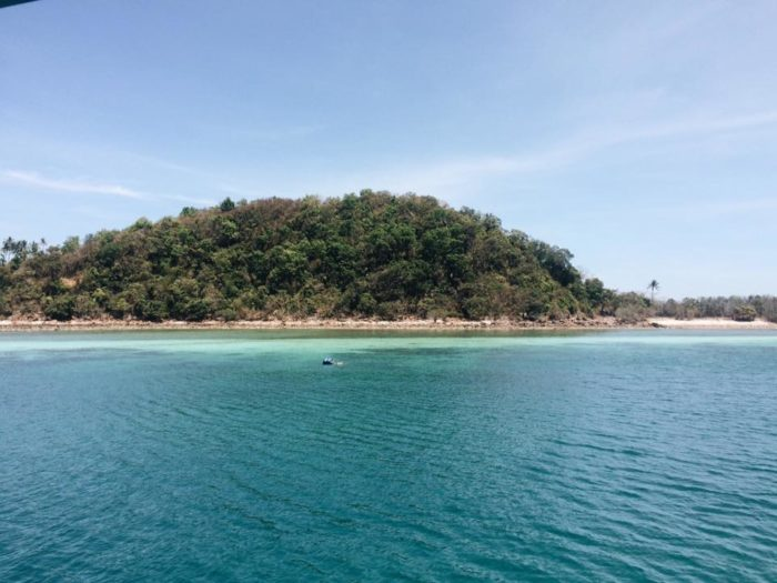 เกาะทะลุ ประจวบ ทะเลสวยมาก