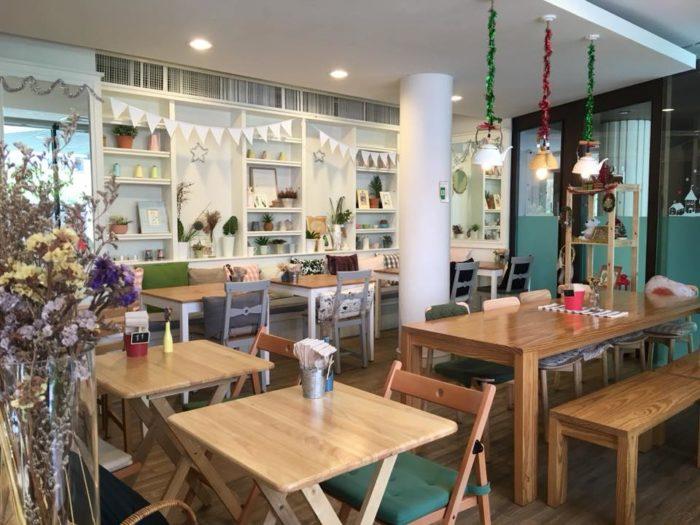 ร้านอาหารสบายๆ Little Sunshine Café