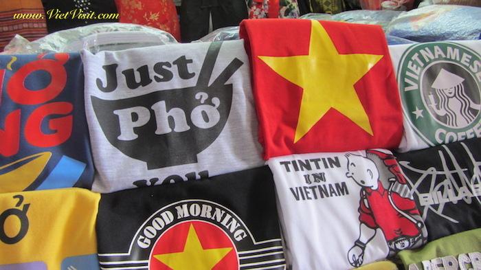 ของฝากเวียดนาม เสื้อ & หมวก ลายธงชาติเวียดนาม ของฝากเวียดนาม เที่ยวเวียดนาม รีวิวเวียดนาม ฮานอย เวียดนาม ของฝากจากเวียดนาม เวียดนาม ของฝาก ของฝาก เวียดนาม หมากเวียดนาม สินค้าน่าซื้อที่เวียดนาม
