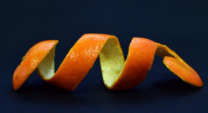 วิธีกำจัดแมลงสาบด้วยสมุนไพร เปลือกส้ม เปลือกมะนาว