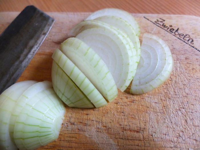 วิธีกำจัดแมลงสาบด้วยสมุนไพร หัวหอม