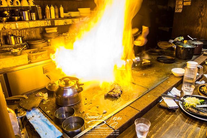 เที่ยวญี่ปุ่นหน้าร้อน สเต๊กเนื้อไฟลุกท่วม