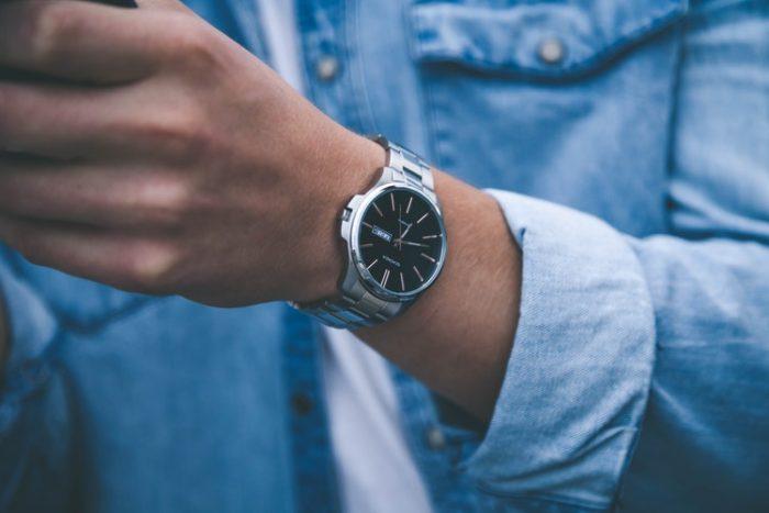 นาฬิกาผู้ชายเท่ๆ เลือกนาฬิกาผู้ชาย ตามวัสดุที่ใช้