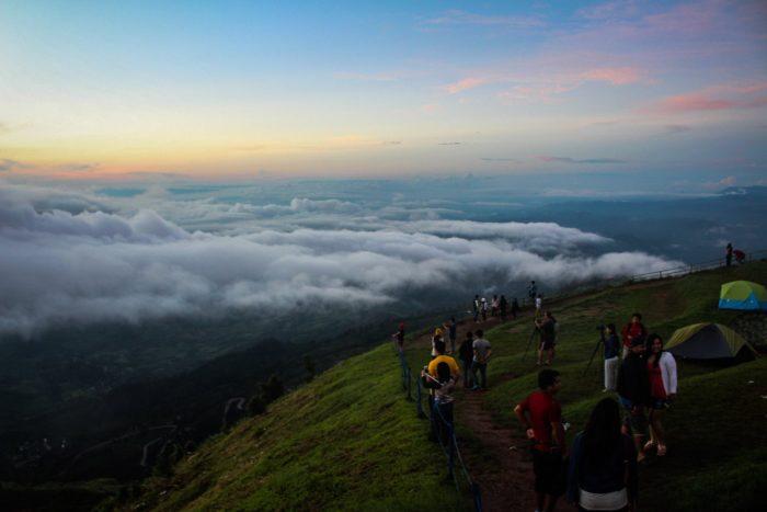 ภูทับเบิกหน้าฝน ชมหมอกที่ไร่ริมผา 4 ภูทับเบิก ที่เที่ยวเพชรบูรณ์ เที่ยวเพชรบูรณ์ เที่ยวภูทับเบิก