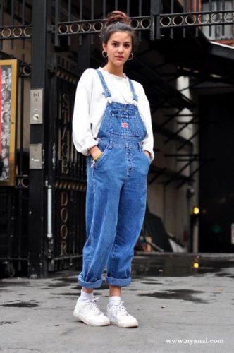 ยุค 90 แต่งตัว เอี๊ยมยีนส์ ชุดยุค 90 เสื้อผ้าแฟชั่นผู้หญิง เสื้อผ้าผู้หญิง แฟชั่นยุค 90 แต่งตัวยุค 90 แต่งตัววินเทจ เสื้อผ้ายุค 90 การแต่งกายยุค 90 ยุค 90 แต่งตัว