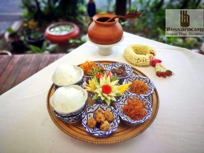 ร้านต้นตำรับ บุษราคัม (Bussaracum Royal Thai Cuisine)